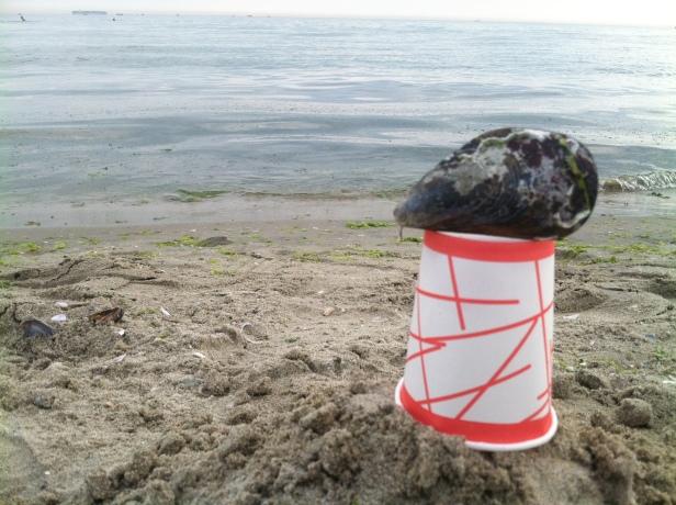 - küçükçekmeceye gideken bu fotoğraf çektim sahile yol